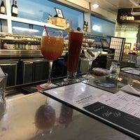 Foto tirada no(a) Cascata Restaurant & Bar por Sam F. em 9/3/2018
