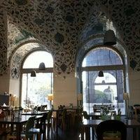 Снимок сделан в Café-Restaurant CORBACI пользователем Stefanie D. 10/19/2012