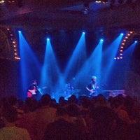 Foto scattata a Crystal Ballroom da PDX P. il 9/8/2012