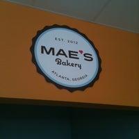 Foto scattata a Mae's Bakery da Heena H. il 8/23/2012