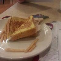 Foto tomada en DeNaples Fresh Food Company (University of Scranton) por Liz K. el 4/26/2012