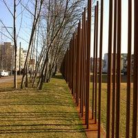 Снимок сделан в Мемориальный комплекс «Берлинская стена» пользователем Praphot T. 3/7/2012