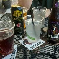7/4/2012 tarihinde Christine L.ziyaretçi tarafından Jack Brown's Beer & Burger Joint'de çekilen fotoğraf