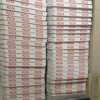 รูปภาพถ่ายที่ Pizza Première โดย David T. เมื่อ 4/5/2012