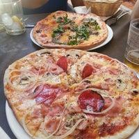 Foto diambil di La Parmigiana oleh Antonio J. pada 7/14/2012