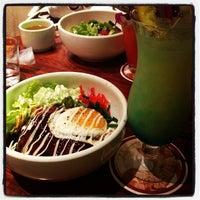 Foto tirada no(a) Aloha Table KAU KAU KORNER por takahiro o. em 2/5/2012