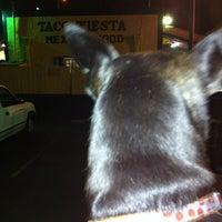 Foto tomada en Taco Fiesta por Dianna Dee C. el 7/15/2012