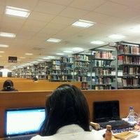 Foto diambil di University of Warwick Library oleh Jaikishen J. pada 5/16/2012