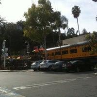 2/17/2012 tarihinde ɐlᴉʇʇu∀ ſ.ziyaretçi tarafından Carney's'de çekilen fotoğraf