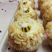 5/14/2012에 Jessica B.님이 Jilly's Cupcake Bar & Cafe에서 찍은 사진