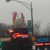Photo prise au Superdawg Drive-In par Cicco S. le4/1/2012