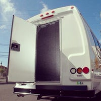 Photo prise au Discover Hawaii Tours par DHT S. le3/2/2012