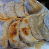 Foto scattata a Dumplings Plus da Jacinta F. il 3/10/2012