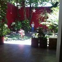 Foto diambil di La Choza oleh Meliza H. pada 4/30/2012
