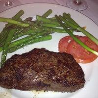 Foto tomada en III Forks Restaurant por Alan A. el 3/18/2012