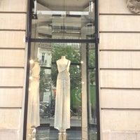รูปภาพถ่ายที่ Givenchy โดย erin v. เมื่อ 7/5/2012