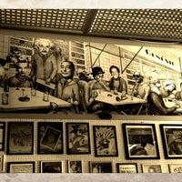 Das Foto wurde bei Bar Genial von Vivi T. am 7/22/2012 aufgenommen