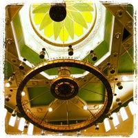 2/10/2012 tarihinde J-Ki J.ziyaretçi tarafından Masjid Al-Ameerah Al-Hajjah Maryam, Kg Jerudong'de çekilen fotoğraf