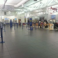 Foto tirada no(a) City of Derry Airport (LDY) por Dan P. em 3/18/2012