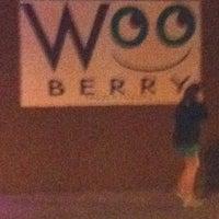 Foto diambil di Wooberry Frozen Yogurt oleh Michael L. pada 3/18/2012