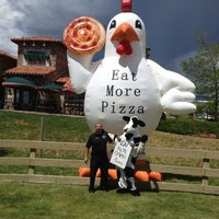 Foto tomada en Virgilio's Pizzeria & Wine Bar por Amy el 6/27/2012