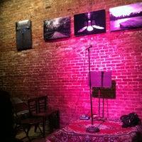 Foto scattata a Nuyorican Poets Cafe da Mary S. il 2/25/2012