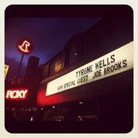 รูปภาพถ่ายที่ The Roxy โดย Joe Brooks เมื่อ 4/1/2012
