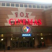 Das Foto wurde bei Regal Cinemas Fox 16 & IMAX von Rebecca C. am 7/8/2012 aufgenommen