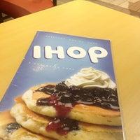 Foto tomada en IHOP por Bertha M. el 9/2/2012