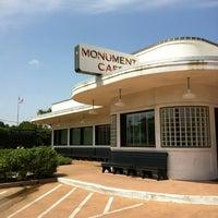7/4/2012にTRACY S.がThe Monument Caféで撮った写真
