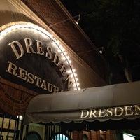 Foto tomada en The Dresden Restaurant por Sim Sullen el 2/29/2012