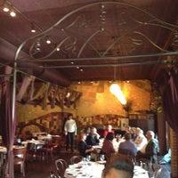Foto scattata a Barcelona Restaurant & Bar da Ashley W. il 6/4/2012