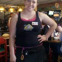 Foto tomada en Captain Chuck's Sandbar & Grill por Beth A. el 3/30/2013
