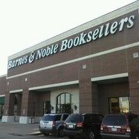 Foto scattata a Barnes & Noble da Juanma C. il 3/17/2014