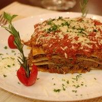 10/27/2013 tarihinde Pro Pizzaziyaretçi tarafından Pro Pizza'de çekilen fotoğraf