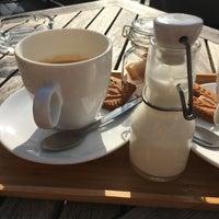Foto scattata a Café Luxembourg da Morten B. il 10/15/2017