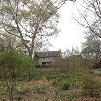 Das Foto wurde bei Bartram's Garden von David C. am 4/17/2013 aufgenommen