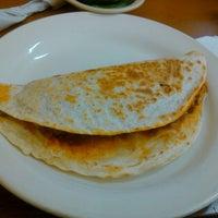 Foto tomada en Burritos La Palma por Edy R. el 12/14/2013