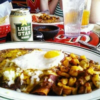 Foto tirada no(a) El Real Tex-Mex Cafe por Jai D. em 11/3/2012