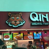 Foto tomada en Qin Oriental Food por Priscila R. el 2/14/2017