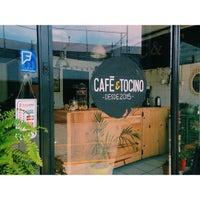 รูปภาพถ่ายที่ Café & Tocino โดย Luigi T. เมื่อ 7/6/2015
