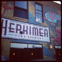 2/2/2013 tarihinde Janis B.ziyaretçi tarafından The Herkimer Pub & Brewery'de çekilen fotoğraf