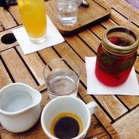 Foto scattata a Leroy Bar & Café da Radka L. il 7/22/2015