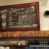Снимок сделан в Delicious Pizza пользователем Omar M. 3/23/2018
