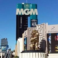 Foto scattata a MGM Grand Hotel & Casino da Darwin R. il 11/5/2013