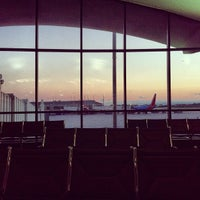 Foto tomada en Aeropuerto Internacional General Mitchell (MKE) por Austin J. el 9/28/2012