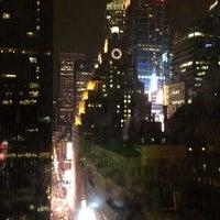 3/3/2014 tarihinde Caroline E.ziyaretçi tarafından Row NYC'de çekilen fotoğraf