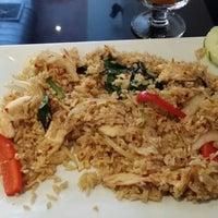 11/12/2013에 Rich J.님이 Siri Thai에서 찍은 사진