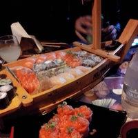 Foto tirada no(a) Kumo Sushi por Laura R. em 9/30/2014