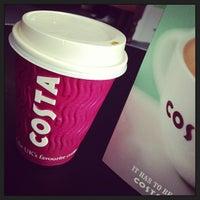 Foto tomada en Costa Coffee por Miles T. el 3/21/2013
